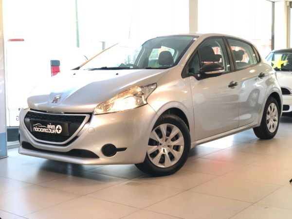 PEUGEOT 208 1.4 HDi BUSINESS
