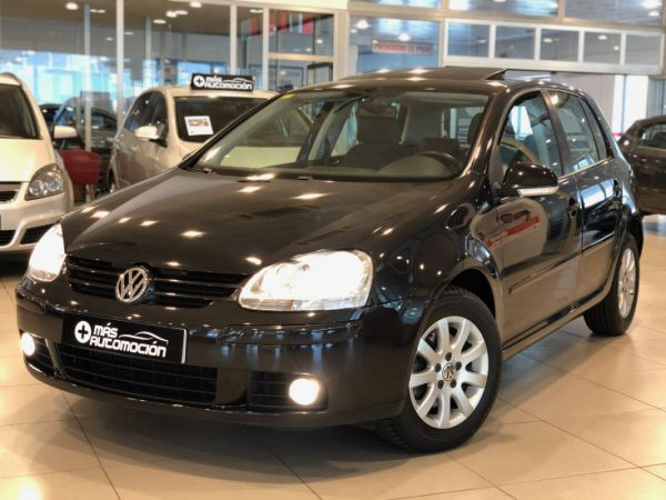 VOLKSWAGEN Golf 2.0 TDI DSG HIGHLINE