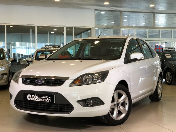 FORD Focus 1.6i TREND 5P.